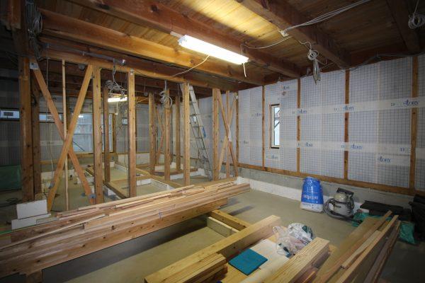 まるで新築みたい。祖父が建てた納屋が素敵な住まいに大変身!